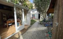 Place Strasbourg: Maison habitable de plain-pied avec studio indépendant. Jardin avec accès indépendant.