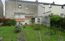 Bretonneau: Maison avec potentiel d'extension, jardin de 300m²!